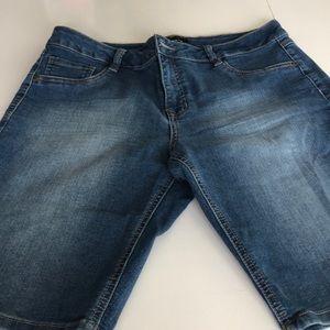 D. Jeans -shorts